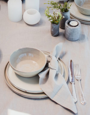 Palmy organic serviettes - curated ceramic eat ware