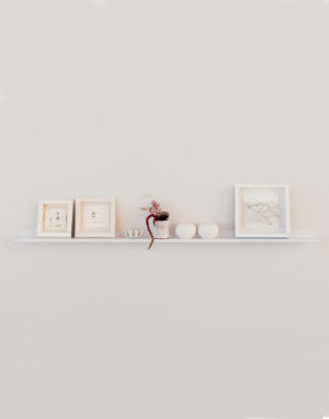 Original gallery shelf - white