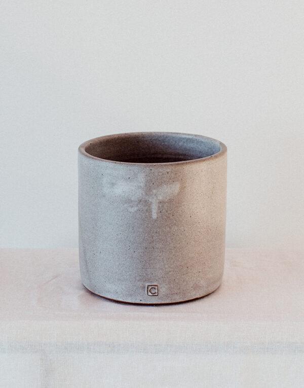 Palmy smaller ceramic planter - nude gray