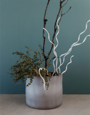 Palmy bold ceramic planter